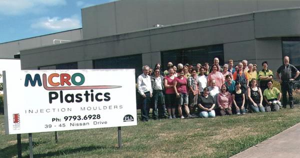 Micro Plastics, Team